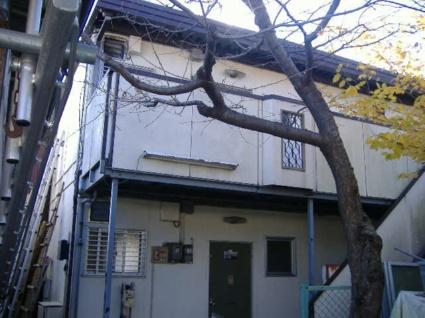 東京都調布市、仙川駅徒歩10分の築35年 2階建の賃貸アパート