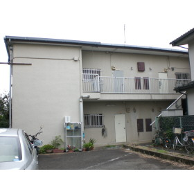 東京都調布市、仙川駅徒歩17分の築33年 2階建の賃貸マンション