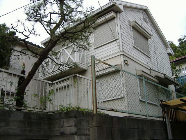 東京都調布市、仙川駅徒歩10分の築27年 2階建の賃貸アパート