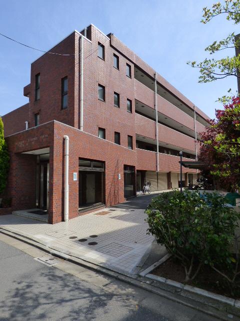 東京都世田谷区、八幡山駅徒歩14分の築29年 4階建の賃貸マンション