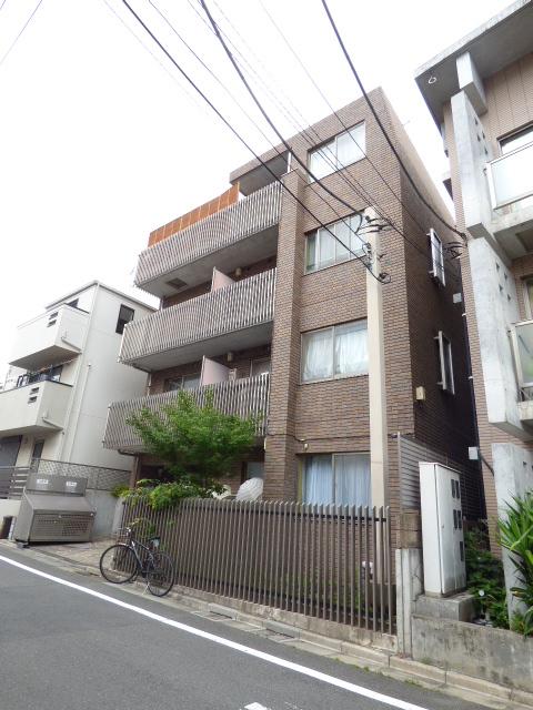 東京都世田谷区、千歳烏山駅徒歩15分の築15年 4階建の賃貸マンション