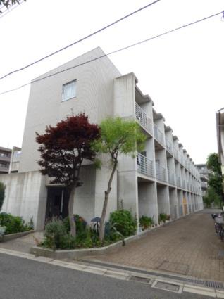東京都世田谷区、千歳烏山駅徒歩5分の築16年 3階建の賃貸マンション