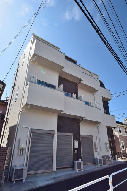 東京都世田谷区、千歳烏山駅徒歩16分の築1年 3階建の賃貸アパート