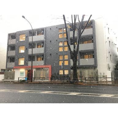 東京都世田谷区、芦花公園駅徒歩8分の新築 4階建の賃貸マンション