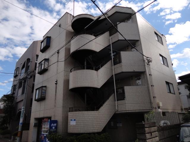 東京都調布市、つつじヶ丘駅徒歩11分の築27年 4階建の賃貸マンション
