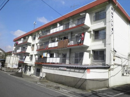 東京都調布市、仙川駅徒歩10分の築47年 3階建の賃貸マンション