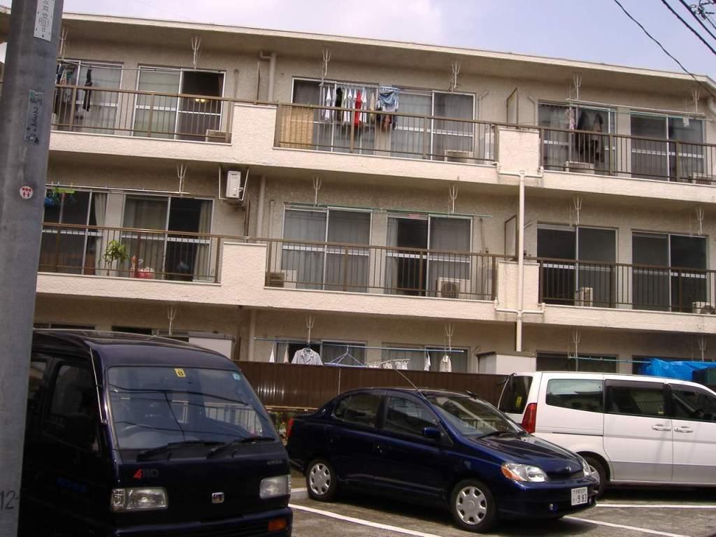 東京都調布市、仙川駅徒歩6分の築37年 3階建の賃貸マンション