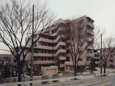 東京都調布市、つつじヶ丘駅徒歩7分の築20年 7階建の賃貸マンション