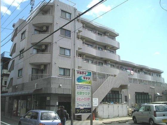東京都世田谷区、千歳烏山駅徒歩8分の築22年 5階建の賃貸マンション