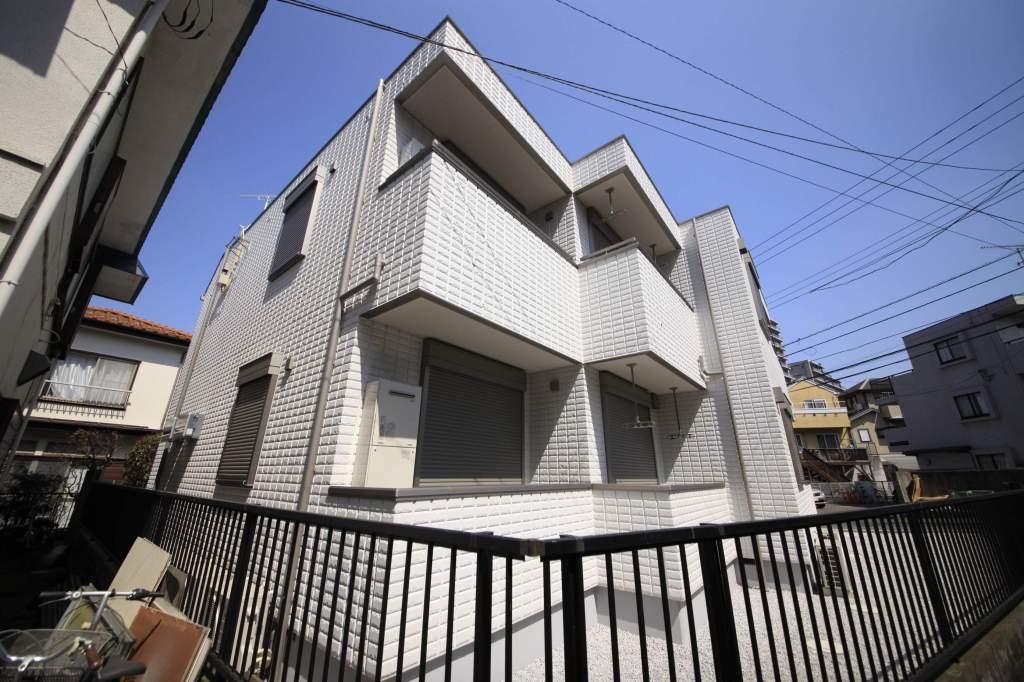 東京都多摩市、中河原駅徒歩21分の新築 2階建の賃貸マンション