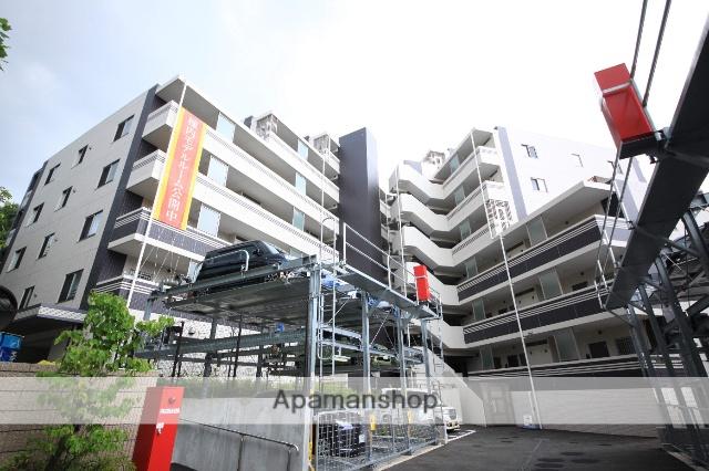東京都多摩市、京王永山駅徒歩15分の築2年 7階建の賃貸マンション
