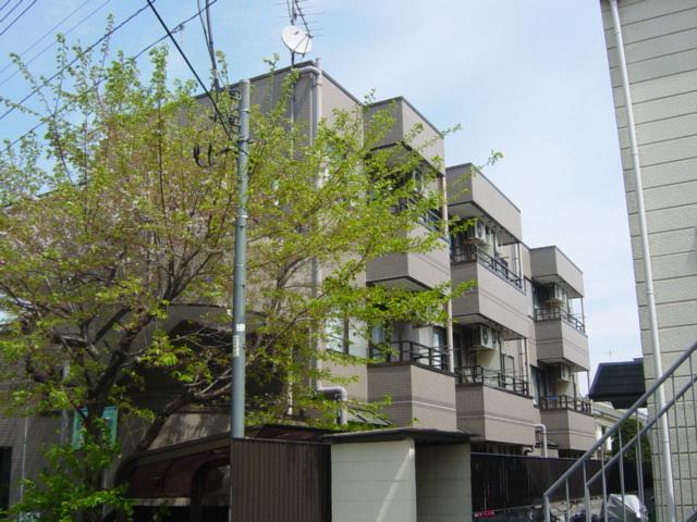 東京都八王子市、八王子駅徒歩19分の築26年 3階建の賃貸マンション