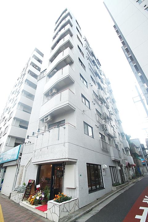 東京都文京区、後楽園駅徒歩5分の築31年 9階建の賃貸マンション