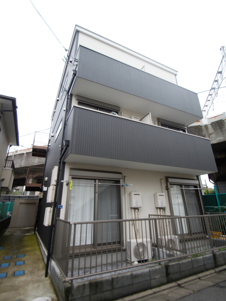 東京都板橋区、浮間舟渡駅徒歩22分の築5年 3階建の賃貸アパート