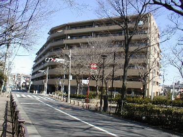 東京都板橋区、ときわ台駅徒歩19分の築17年 7階建の賃貸マンション