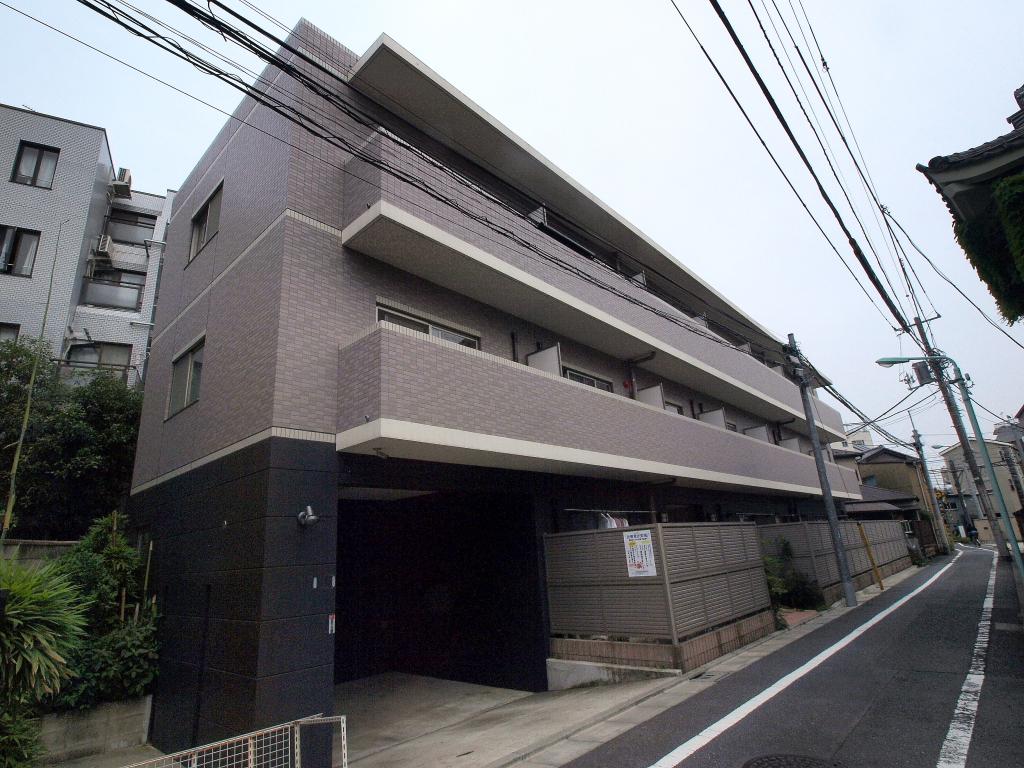 東京都豊島区、西巣鴨駅徒歩3分の築7年 3階建の賃貸マンション
