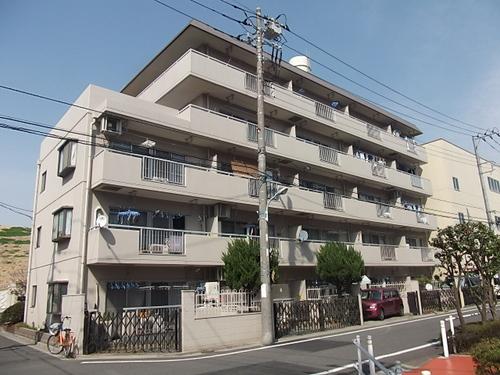 東京都板橋区、新高島平駅徒歩10分の築35年 5階建の賃貸マンション