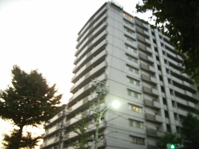 東京都文京区、本駒込駅徒歩3分の築17年 12階建の賃貸マンション
