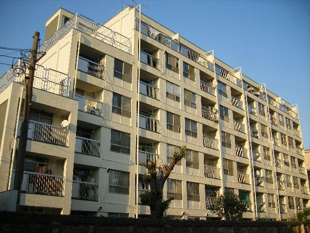 東京都豊島区、巣鴨駅徒歩7分の築48年 7階建の賃貸マンション