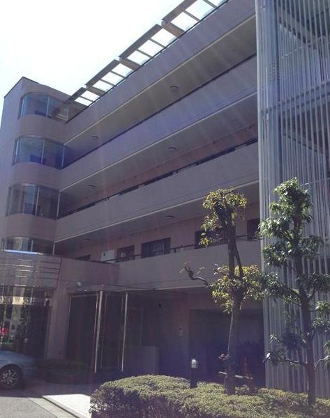 東京都新宿区、神楽坂駅徒歩13分の築24年 5階建の賃貸マンション
