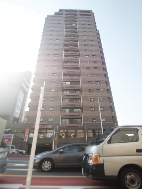 東京都新宿区、高田馬場駅徒歩4分の築20年 22階建の賃貸マンション