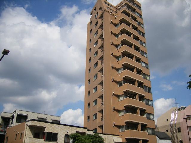 東京都新宿区、東新宿駅徒歩8分の築12年 14階建の賃貸マンション