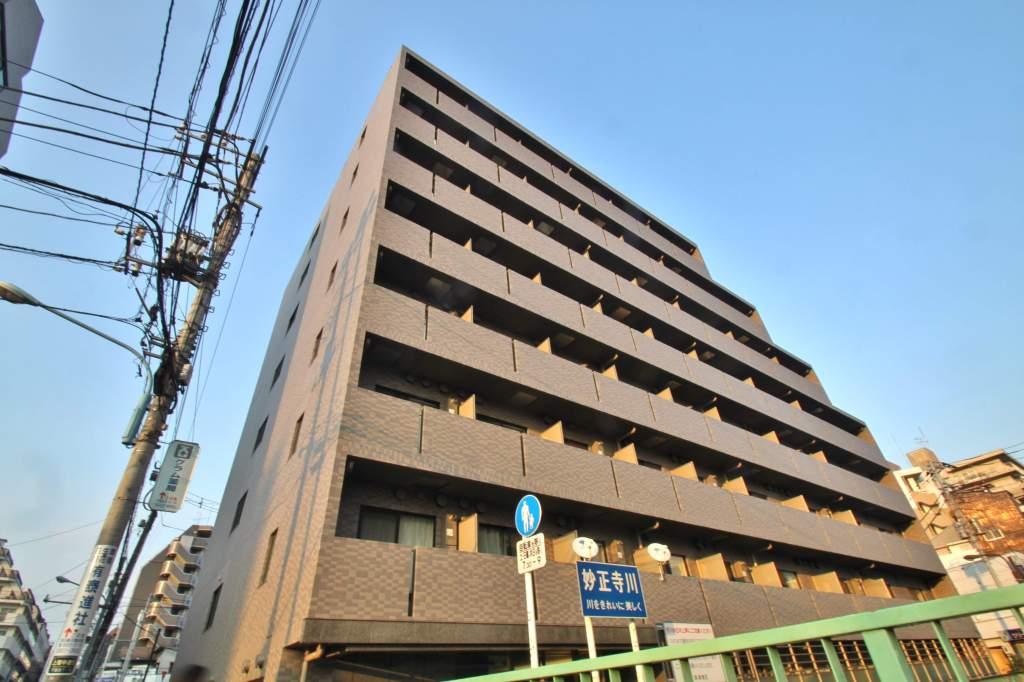 東京都新宿区、高田馬場駅徒歩12分の築10年 8階建の賃貸マンション