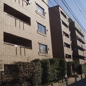 東京都新宿区、四谷三丁目駅徒歩12分の築19年 6階建の賃貸マンション