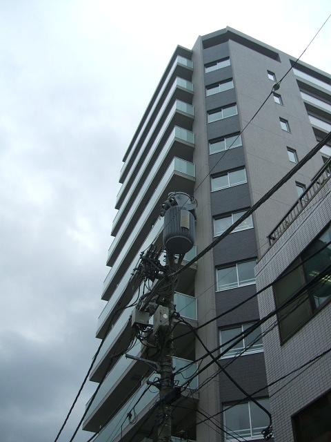 東京都文京区、本郷三丁目駅徒歩2分の築8年 12階建の賃貸マンション