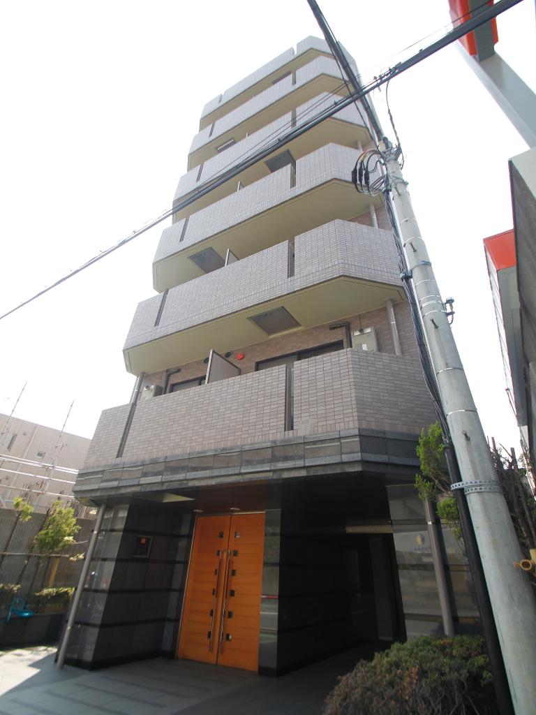 東京都新宿区、飯田橋駅徒歩10分の築16年 8階建の賃貸マンション