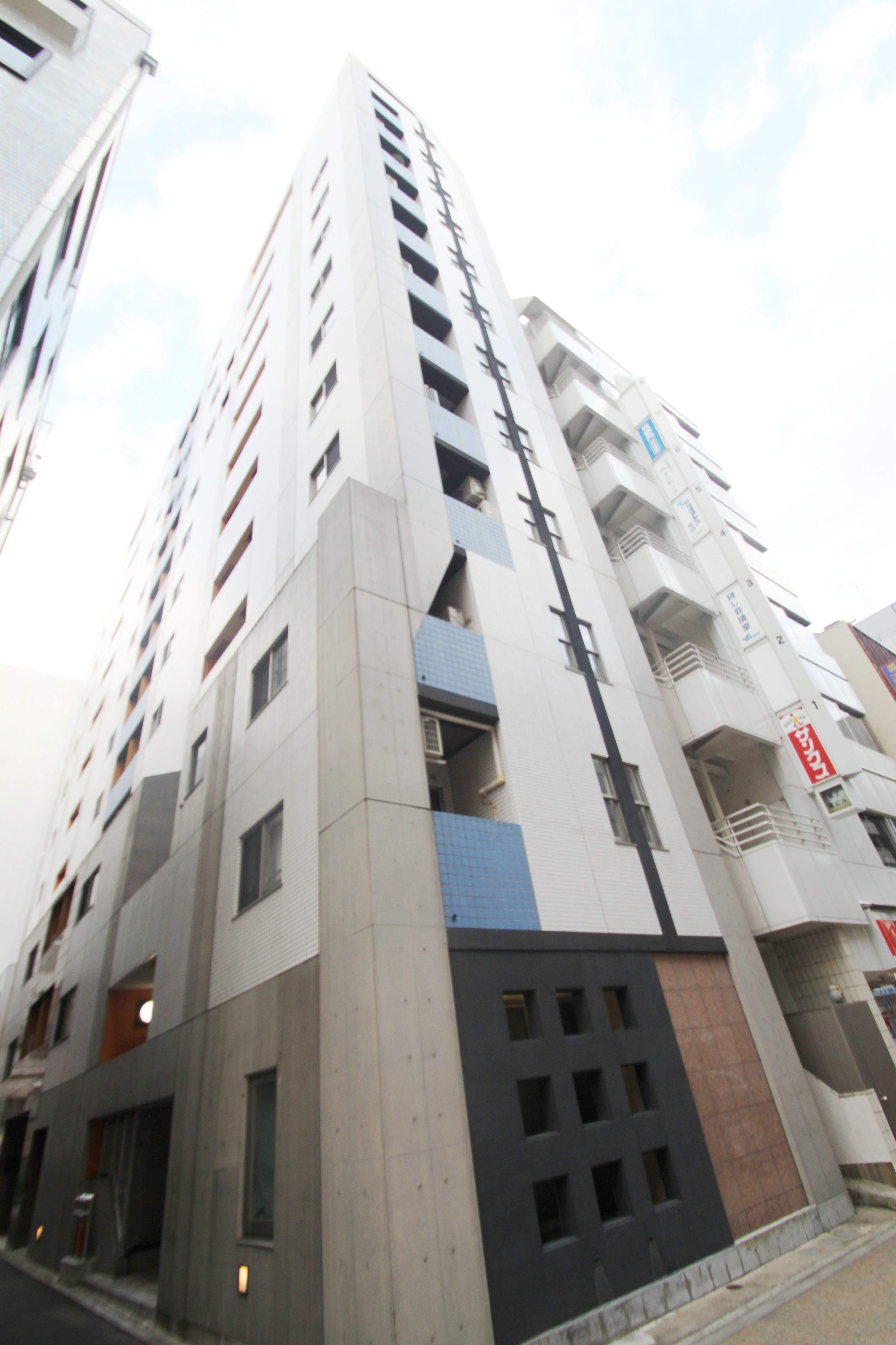 東京都千代田区、神田駅徒歩3分の築11年 13階建の賃貸マンション