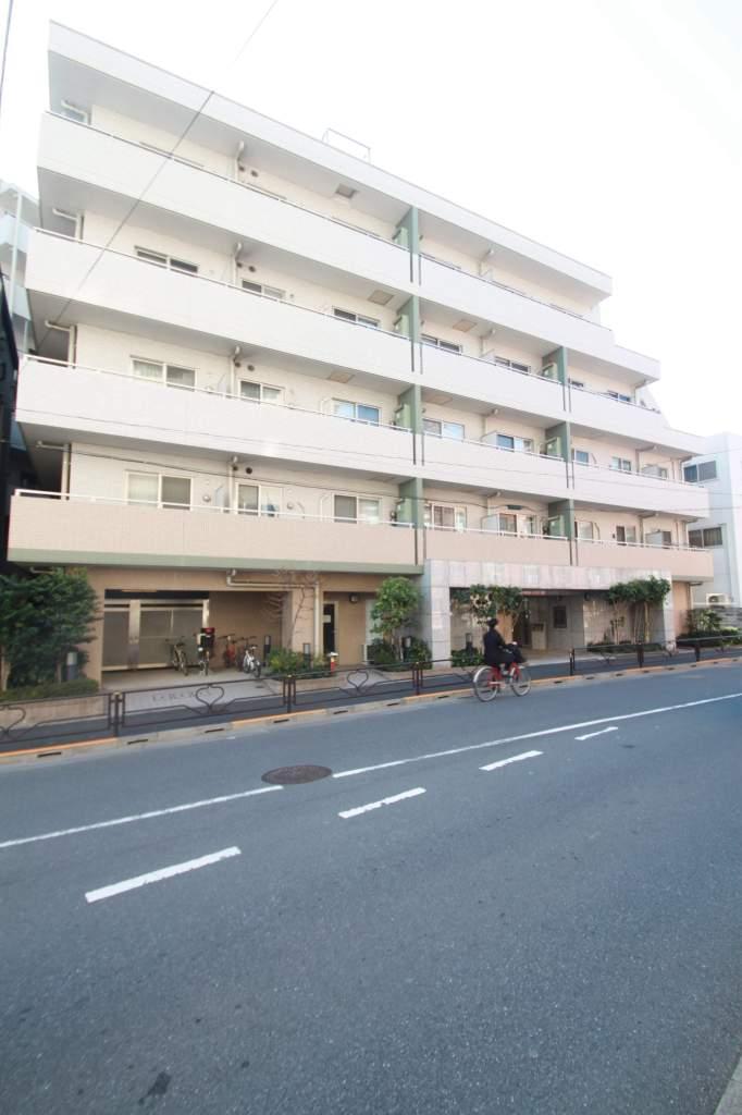東京都文京区、後楽園駅徒歩8分の築12年 7階建の賃貸マンション