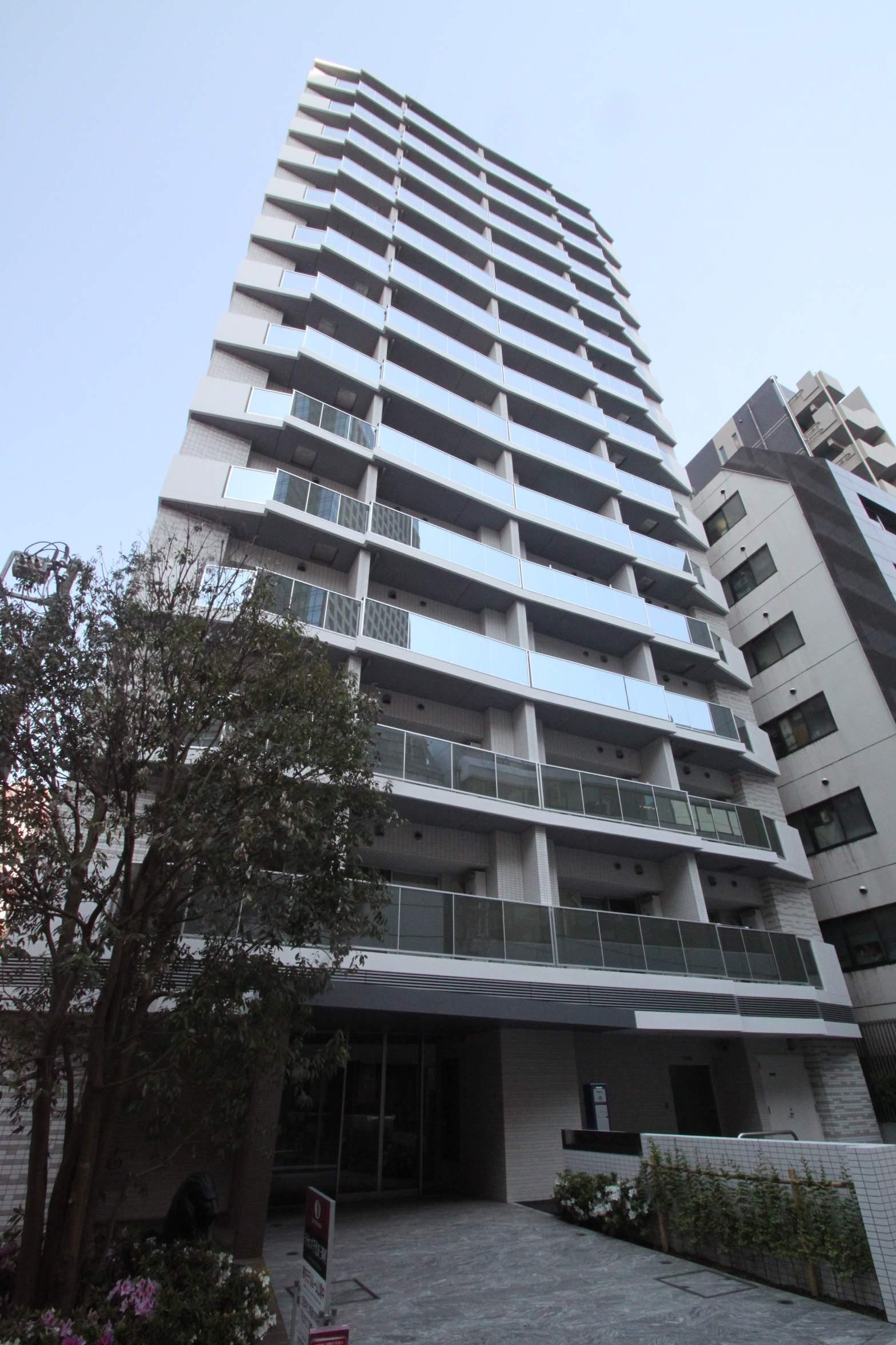 東京都千代田区、水道橋駅徒歩3分の築4年 14階建の賃貸マンション