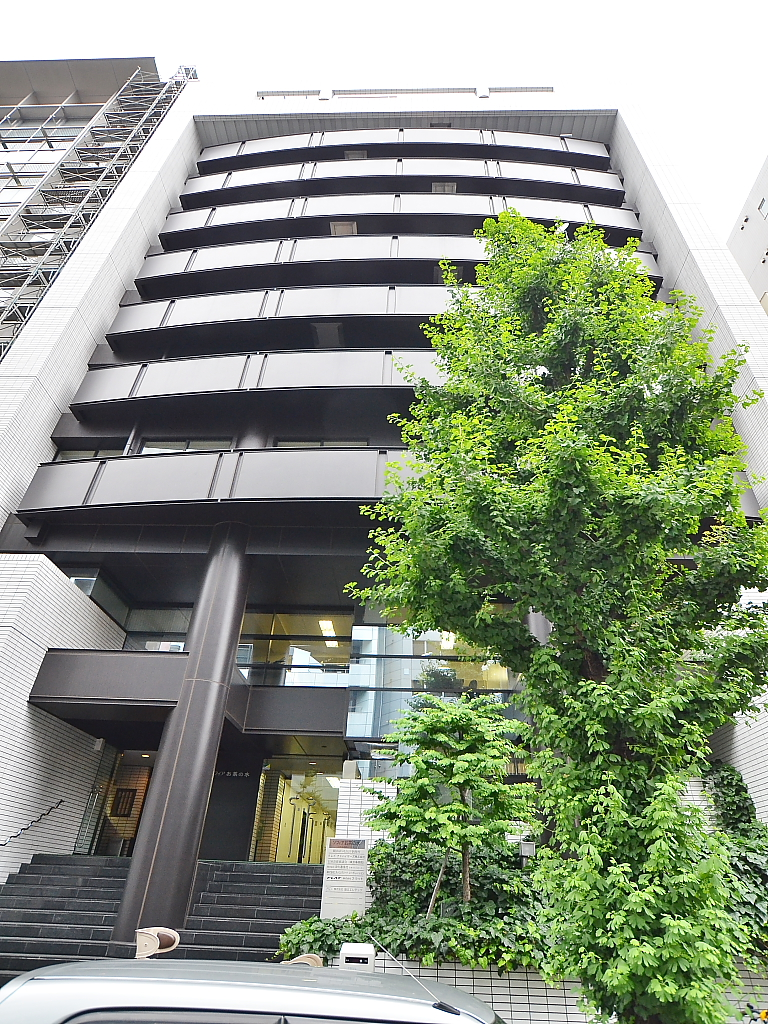 東京都文京区、御茶ノ水駅徒歩5分の築33年 10階建の賃貸マンション