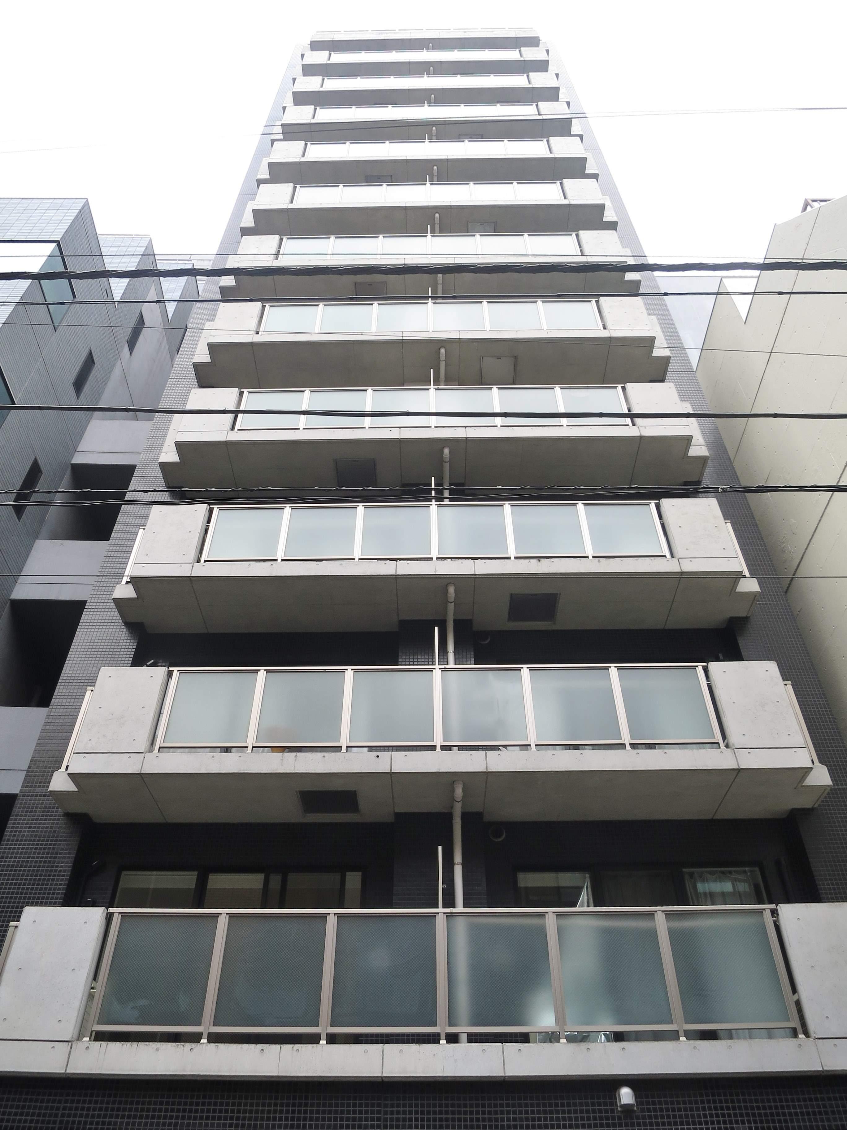 東京都千代田区、新日本橋駅徒歩7分の築11年 13階建の賃貸マンション