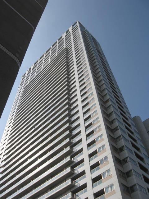 東京都中央区、築地駅徒歩11分の築14年 43階建の賃貸マンション