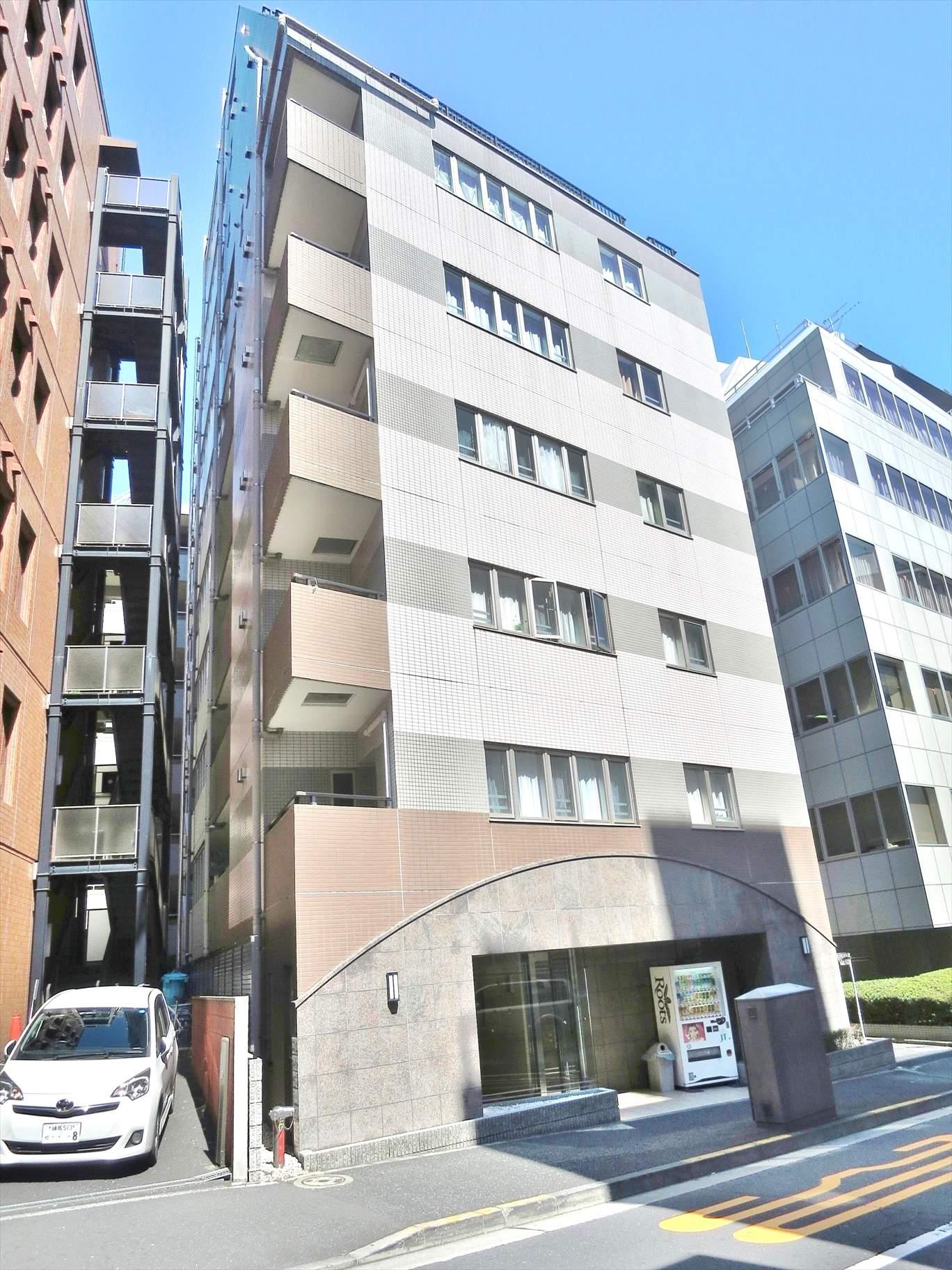 東京都千代田区、市ケ谷駅徒歩8分の築15年 10階建の賃貸マンション