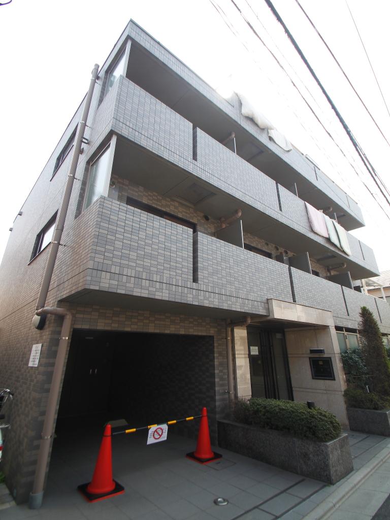 東京都新宿区、早稲田駅徒歩8分の築11年 5階建の賃貸マンション