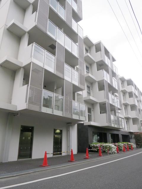 東京都新宿区、東中野駅徒歩8分の築8年 11階建の賃貸マンション