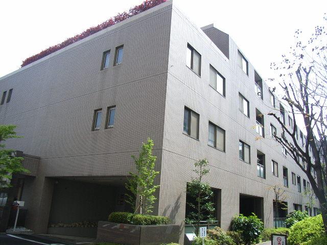 東京都新宿区、高田馬場駅徒歩12分の築22年 9階建の賃貸マンション