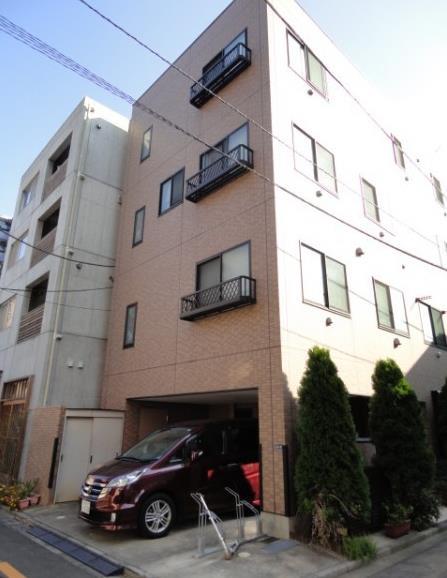 東京都中央区、新富町駅徒歩17分の築13年 4階建の賃貸マンション