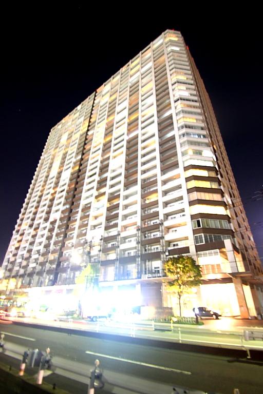 東京都江東区、お台場海浜公園駅徒歩12分の築6年 33階建の賃貸マンション