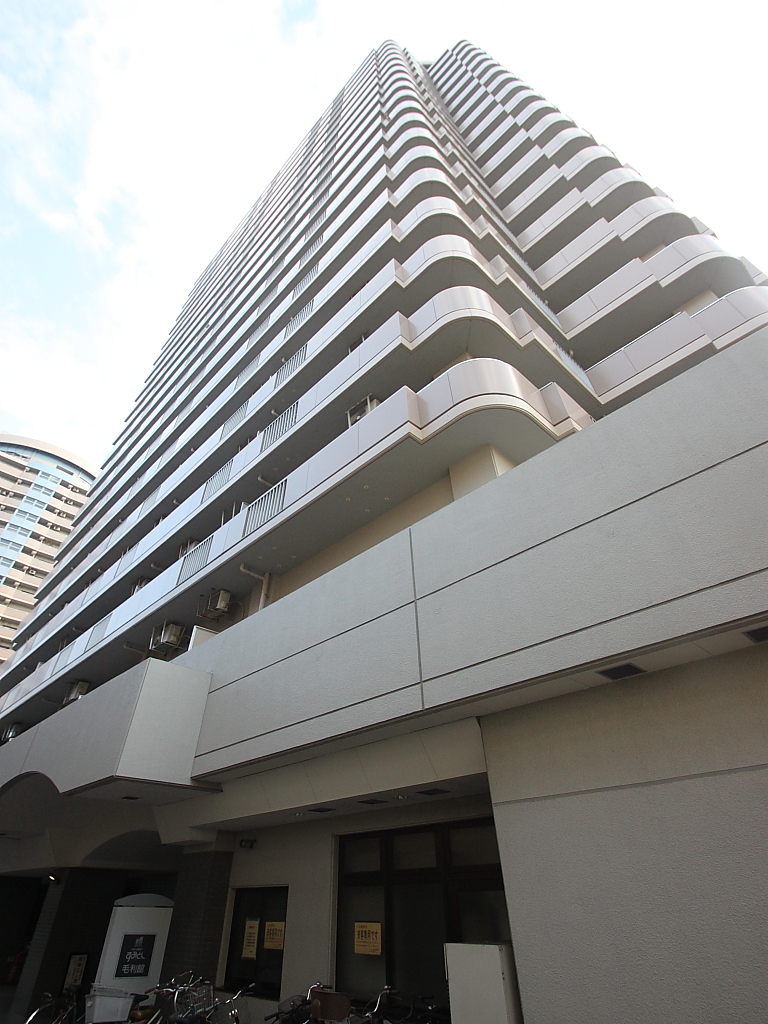 東京都江東区、錦糸町駅徒歩9分の築22年 22階建の賃貸マンション
