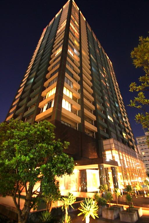 東京都江東区、有明駅徒歩8分の築12年 27階建の賃貸マンション