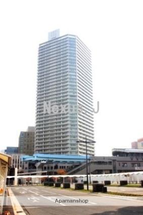 東京都江東区、豊洲駅徒歩1分の築10年 40階建の賃貸マンション