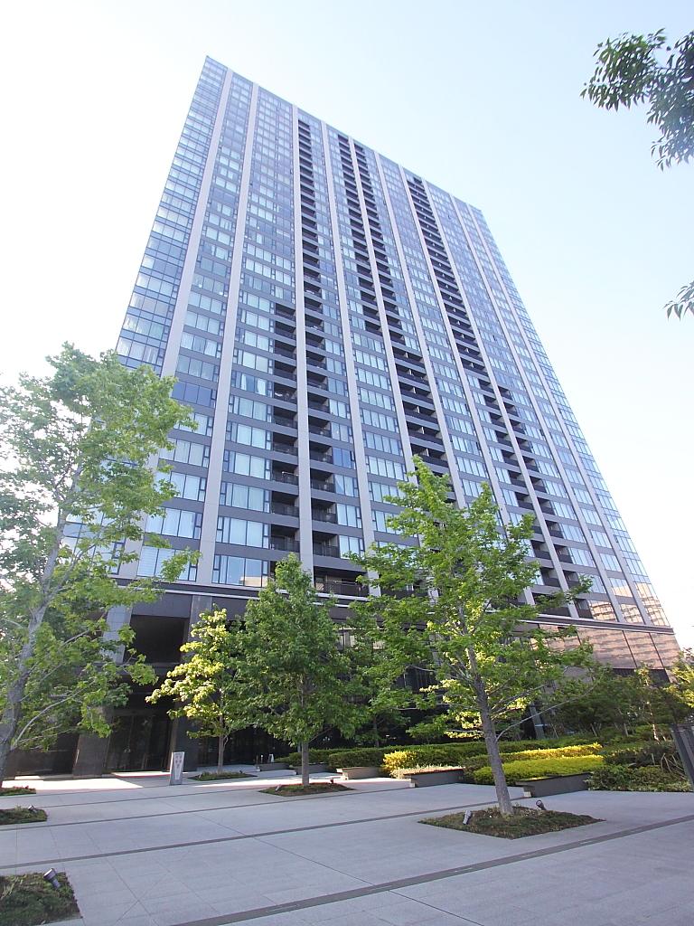 東京都江東区、有明駅徒歩13分の築7年 33階建の賃貸マンション