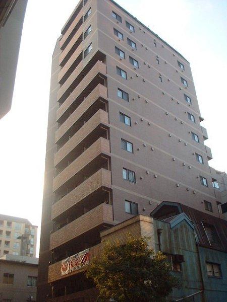 東京都中央区、茅場町駅徒歩8分の築13年 13階建の賃貸マンション