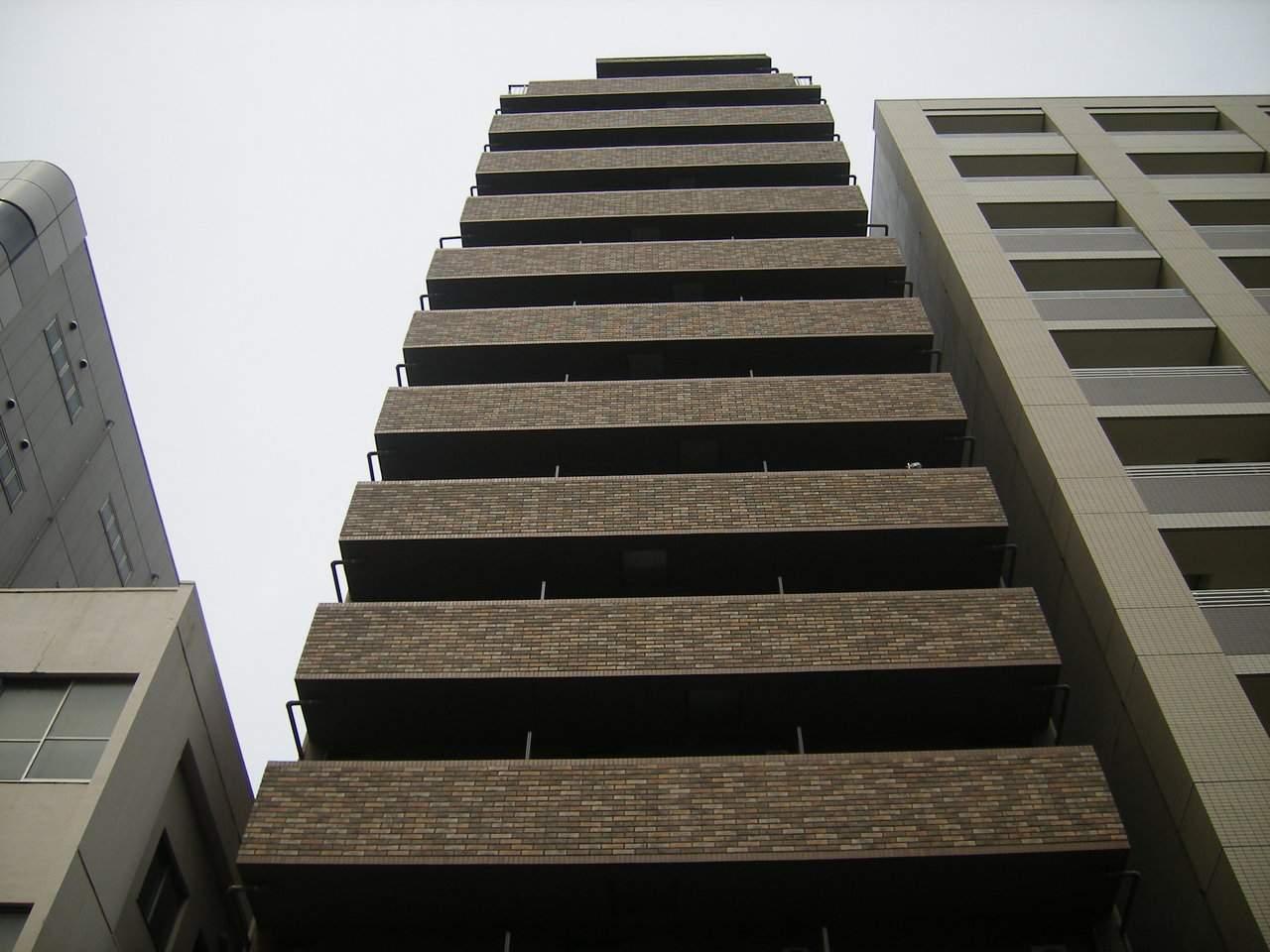東京都中央区、八丁堀駅徒歩8分の築12年 14階建の賃貸マンション