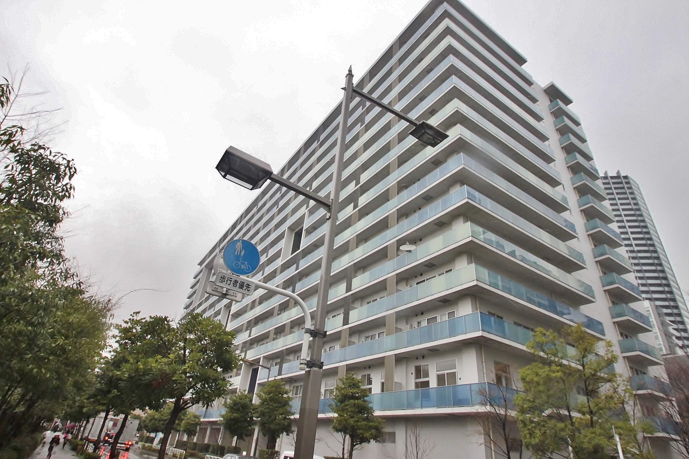 東京都江東区、豊洲駅徒歩12分の築12年 14階建の賃貸マンション