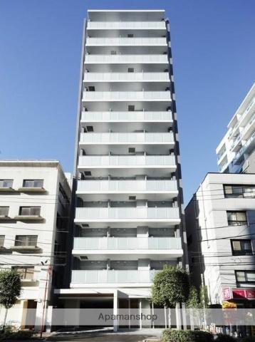 東京都新宿区、飯田橋駅徒歩8分の築4年 13階建の賃貸マンション